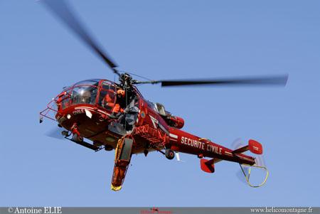 Secours en montagne arrivée hélicoptère sécurité civile