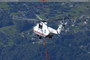 Vue aérienne MIL MI 26 et Catamaran dans la vallée du Rhone